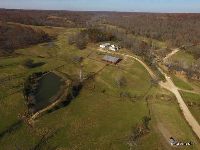 MO - Camden - Home & Cattle Ranch - Additional Acreage Available